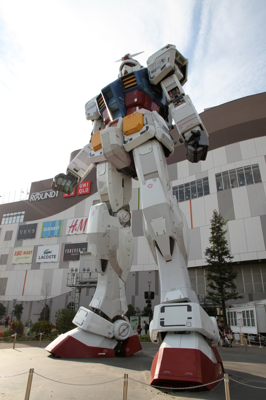 Badass robot at Odaiba