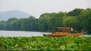 Beautiful West Lake of Hangzhou Must Do China