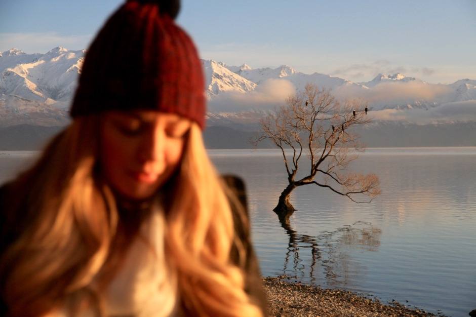 Phoebe Lee Travel Blogger New Zealand Lake Wanaka