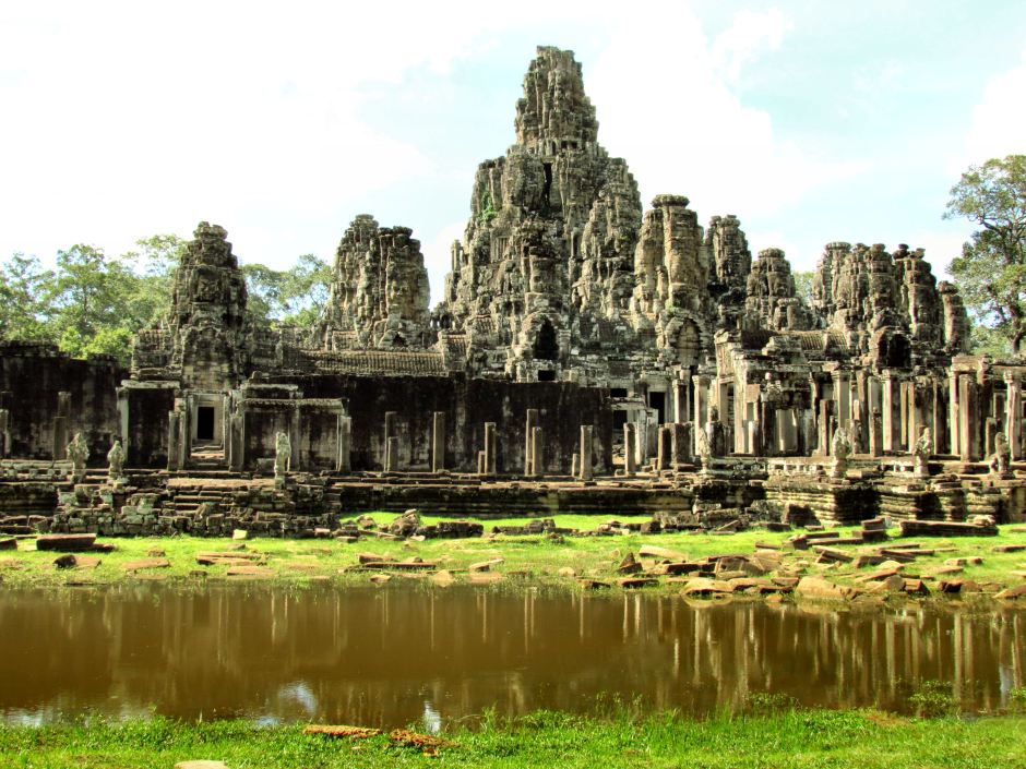 must see, do and eat in Cambodia