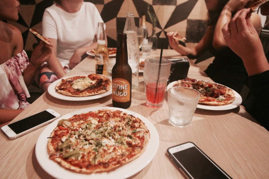 travel diary noosa zacharys pizza