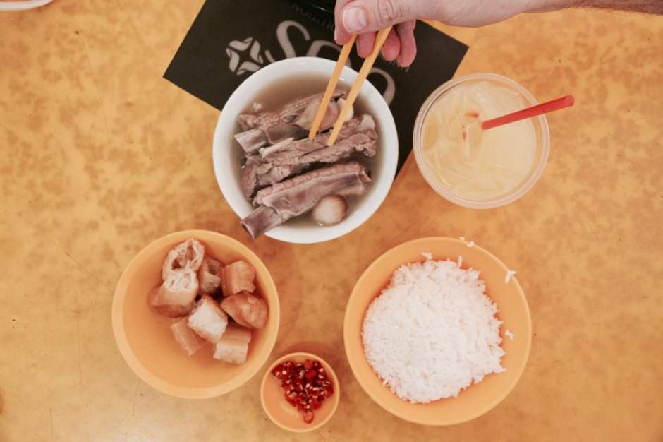 How to find the BEST local food in Singapore without the fuss!