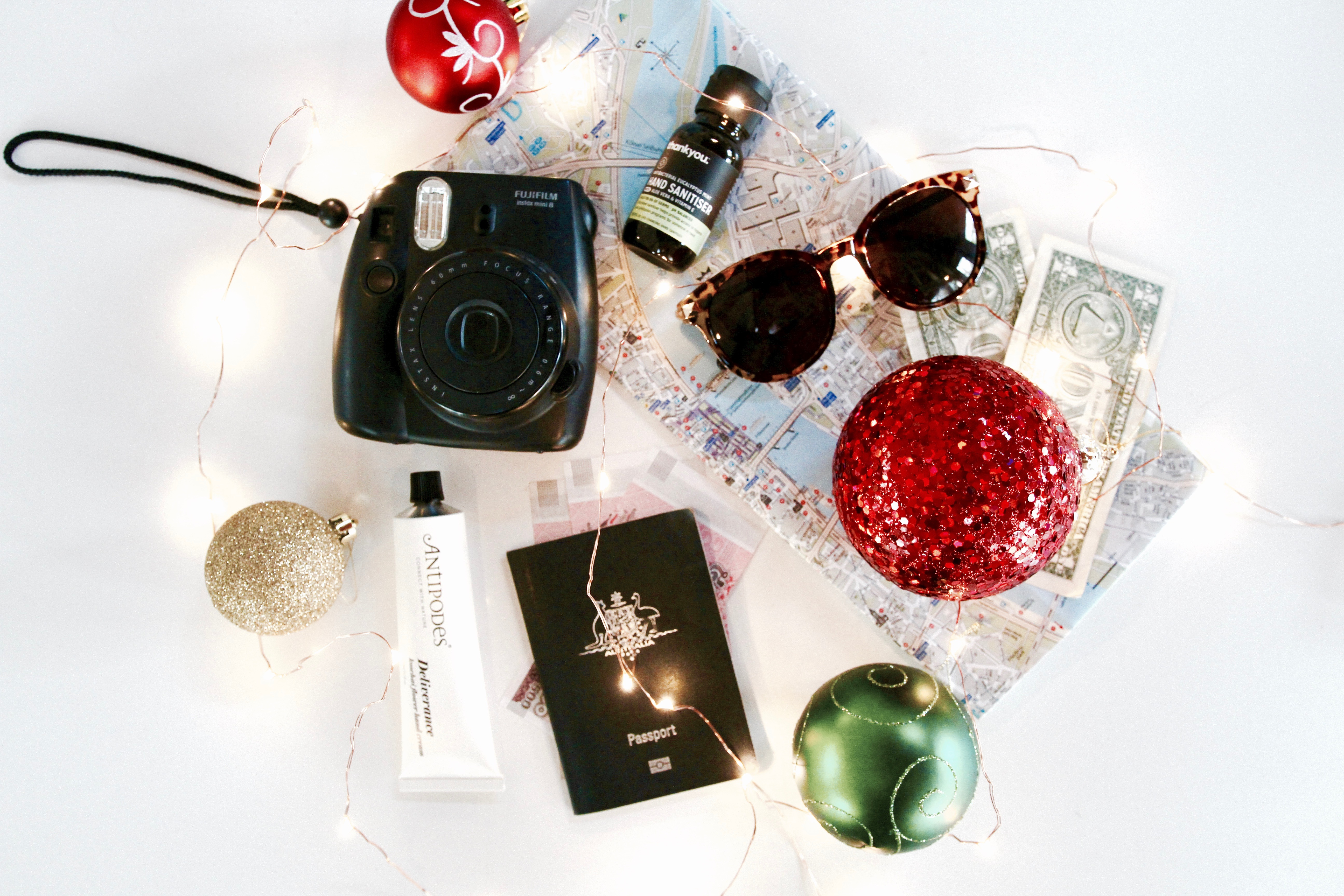 56 brilliant christmas gift ideas perfect for travel for Christmas gifts for travelers