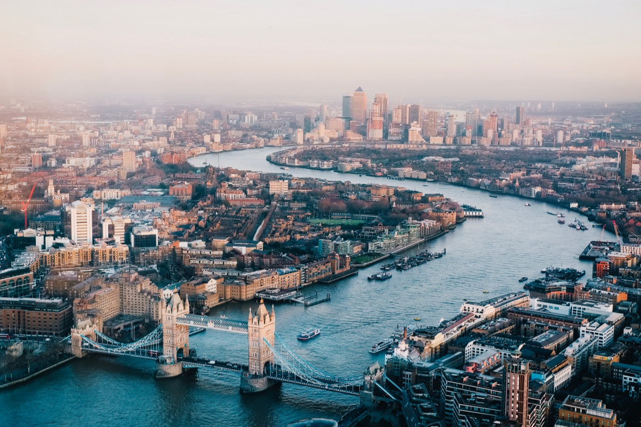 Essential tips for moving to London - 1