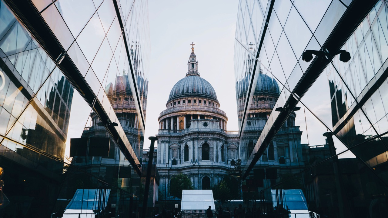 Essential tips for moving to London - 8